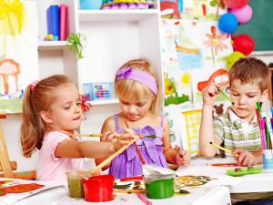 отдавать ребенка в детский сад